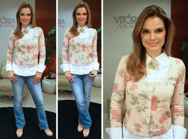 O cardigan colorido floral com jeans
