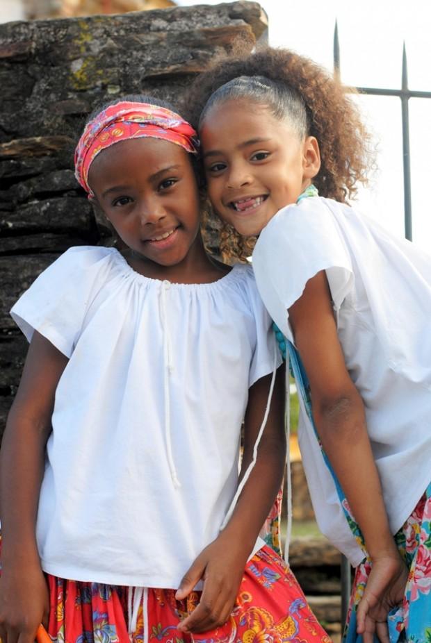 meninas do Maracatu Lua Nova em carnaval Ouro Preto